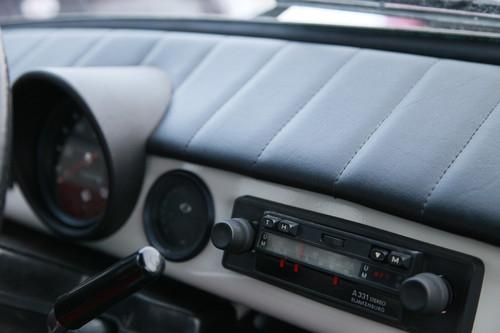 Trabant 601 Armaturenbrett beziehen abgesteppt in Kunstleder